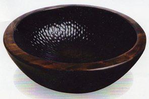 興味津々さんの木鉢.jpg