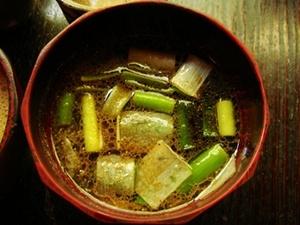 朴念仁 鴨ねぎ蕎麦のつけ汁.jpg
